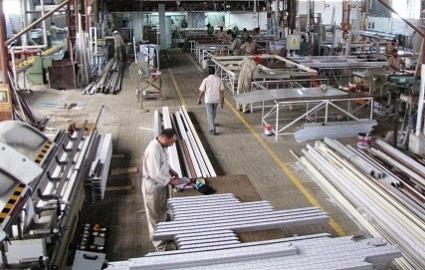 افزایش هزینههای تولید و دردسرهای تولیدکنندگان پاییندستی آلومینیوم