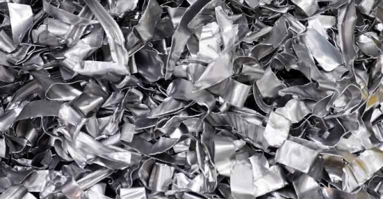 تولیدکنندگان شمش آلومینیوم به سمت مصرف قراضه به جای پودر آلومینا سوق یافتند/ واگرایی قیمت آلومینا و قراضه آلومینیوم در بازار