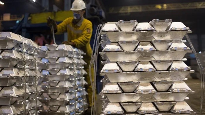 علیرغم ثبت عملکرد ضعیف در سه ماهه سوم سال روسال به آینده امیدوار است/ غول آلومینیوم روسیه فرصت های جدید توسعه بازار آلومینیوم را شناسایی و بررسی کرد