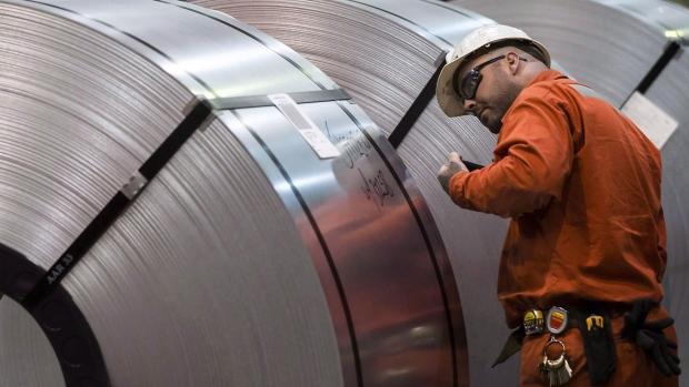 تأثیر منفی تعرفههای ترامپ برروی تولیدکنندگان کانادایی و خریداران آمریکایی فلز آلومینیوم در سال ۲۰۱۸