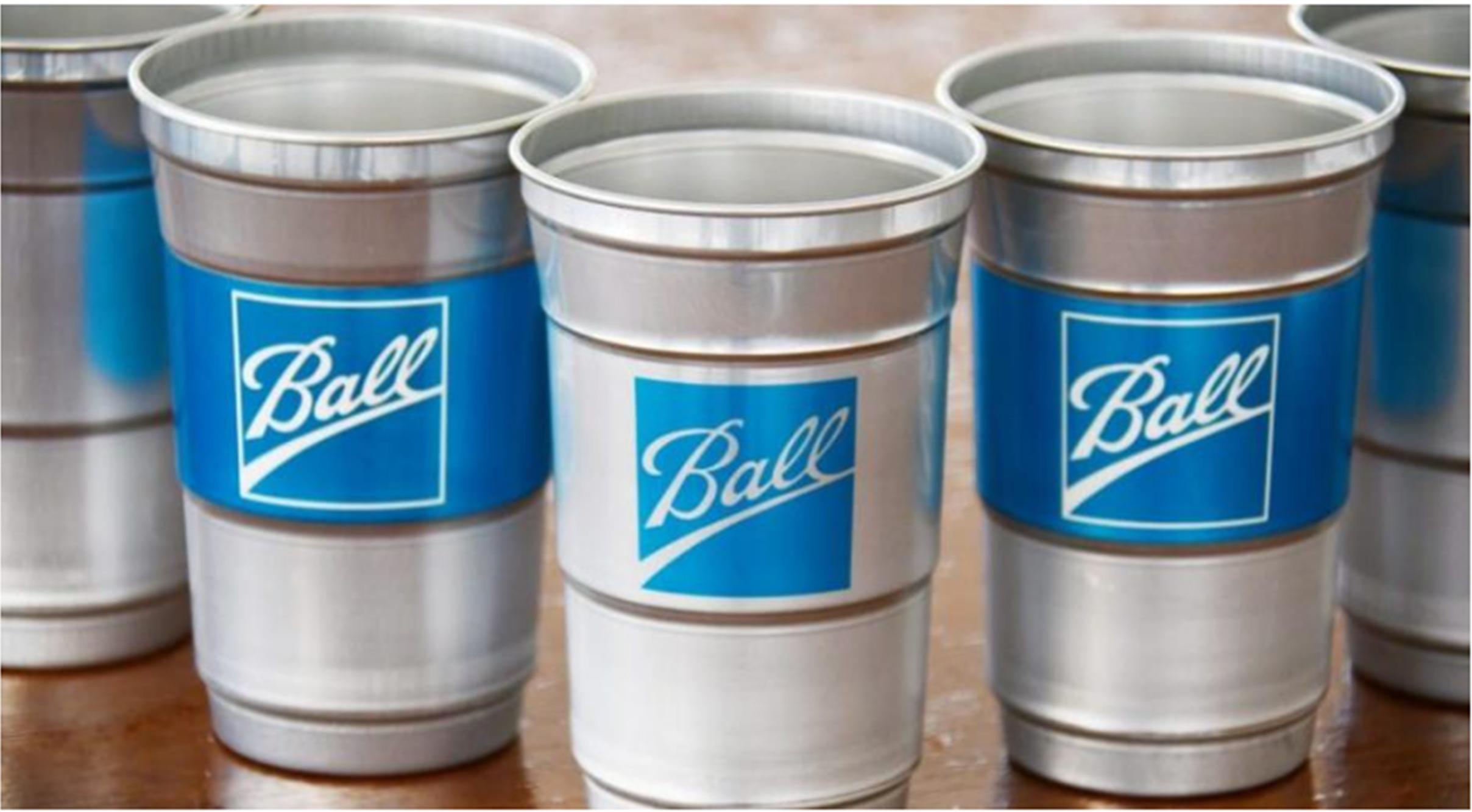 تولید اولین لیوان یک بار مصرف آلومینیومی: شرکت Ball Corporation اولین لیوان آلومینیومی جهان را معرفی میکند