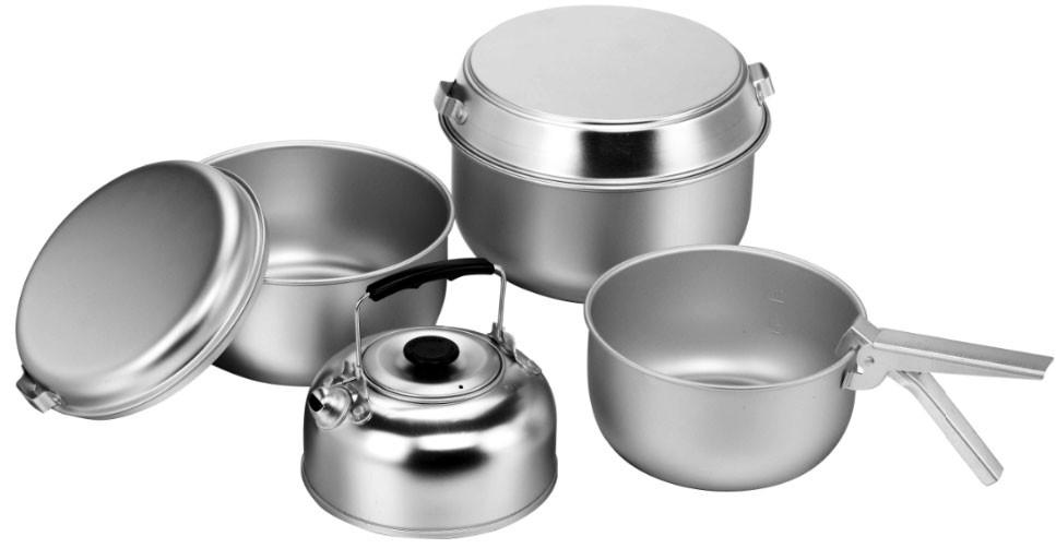 از ضایعات برای تولید ظروف آلومینیومی استفاده میکنیم/ قادر به رقابت در زمینه تولید ظروف آلومینیومی نیستیم