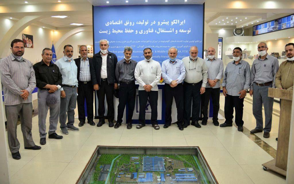 نشست فرماندهان و پیشکسوتان مهندسین سپاه در دفاع مقدس با مهندس مجیدی مدیرعامل شرکت آلومینیوم ایران