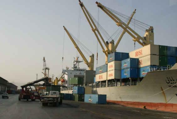 عضو هیات مدیره بانک توسعه صادرات ایران: صادرکنندگان با اجرای قانون هدفمند کردن یارانه ها حمایت میشوند