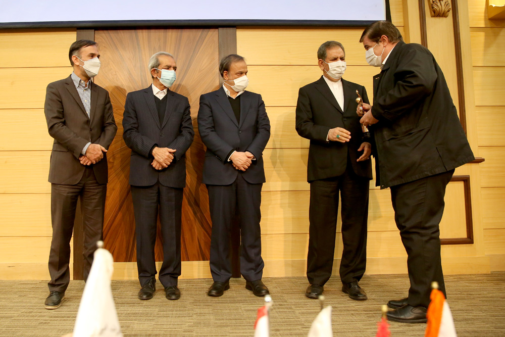 شرکت آلومینیوم ایران (ایرالکو) به عنوان صادرکننده نمونه سال 99 انتخاب شد
