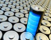 بررسی سلولهای تقویتشده با گرافن برای باتریهای یون آلومینیوم